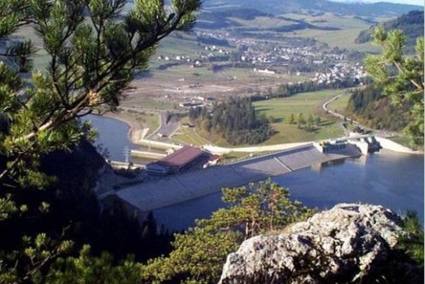 Za brak śmieciowego przetargu kara Czorsztyna nie minie