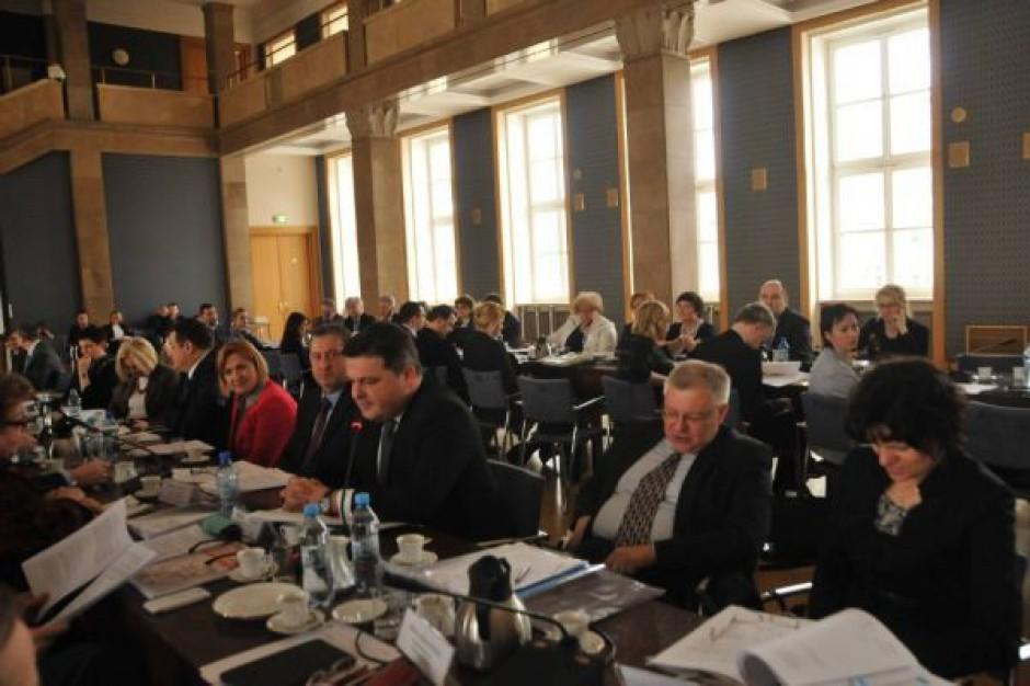 Samorządowcy odrzucili rządowe projekty rozporządzeń