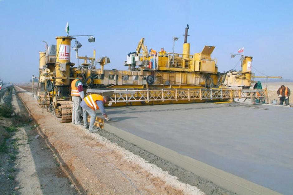 """Projekty dróg powstają na zasadzie """"kopiuj-wklej"""""""