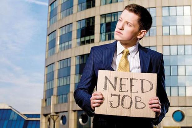 Bezrobotni: działalność urzędów pracy to fikcja