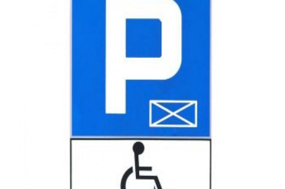 Zaczyna się wymiana kart parkingowych dla niepełnosprawnych