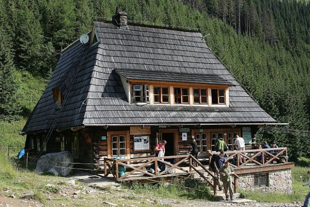 Schroniska górskie rozszerzają ofertę by przyciągnąć turystów