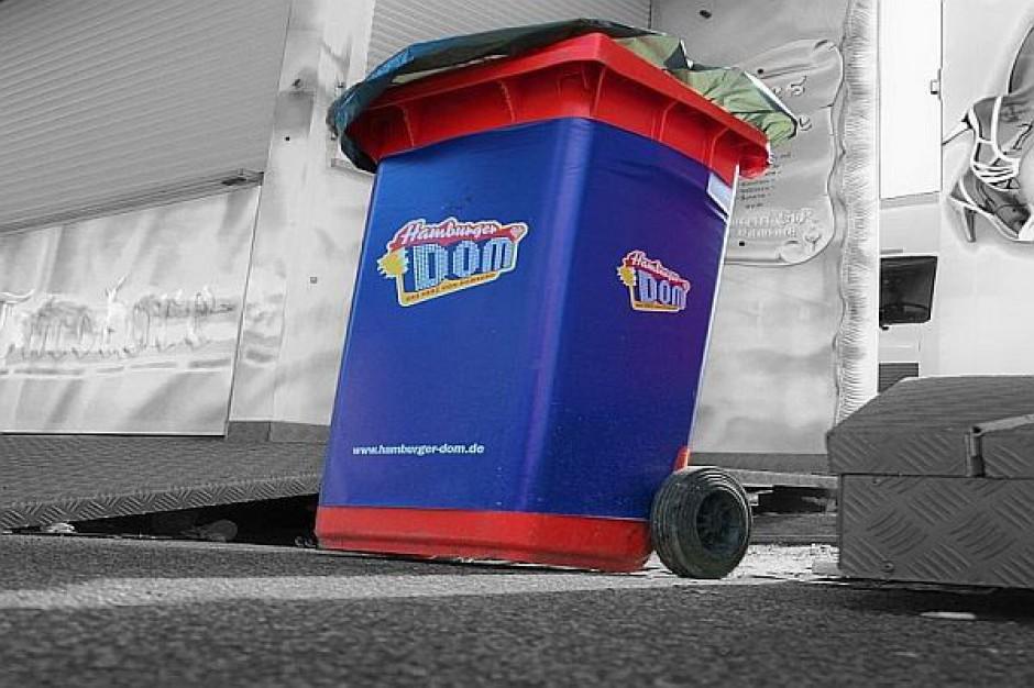 Posłowie chcą częstszego odbierania śmieci. Co na to samorządy?