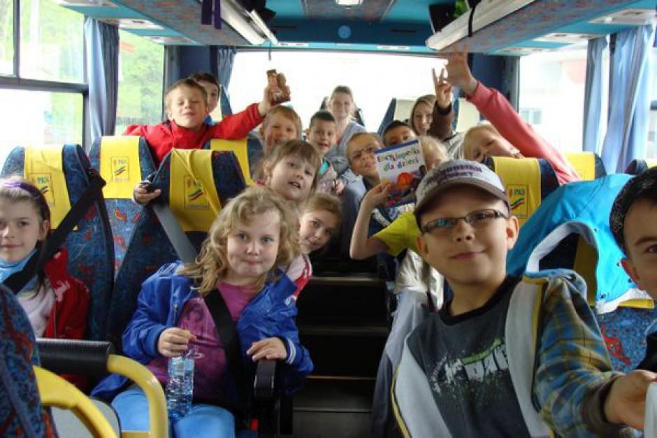 Dzieci pojadą na wycieczki szkolne bez ubezpieczenia?