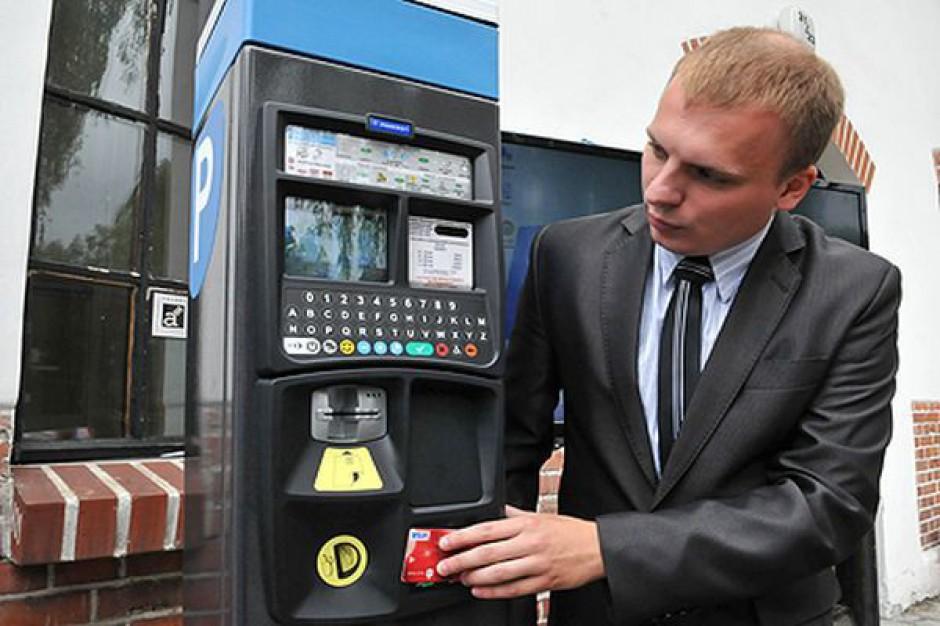 Zapłać kartą zbliżeniową za parking w Toruniu