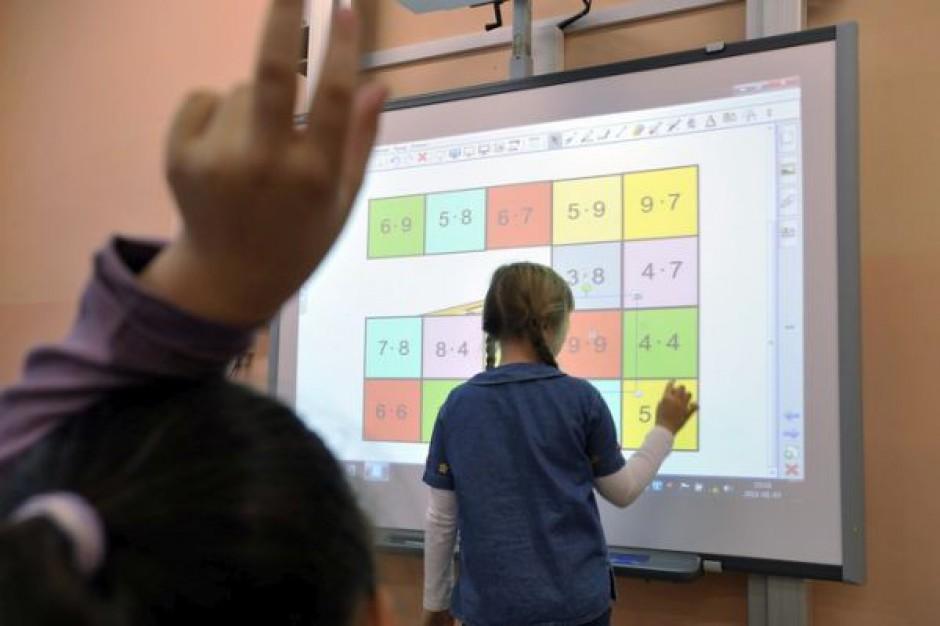 Tablice interaktywne dla tysięcy uczniów