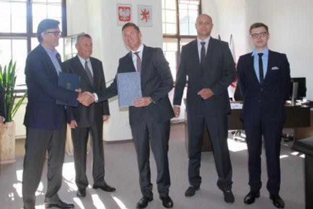 Marszałek zawarł porozumienie dotyczące recyklingu opakowań
