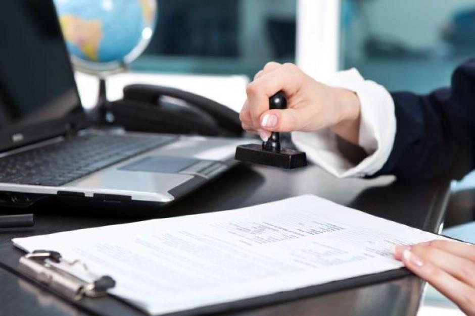 NIK do starostów: częściej wychodźcie zza biurka