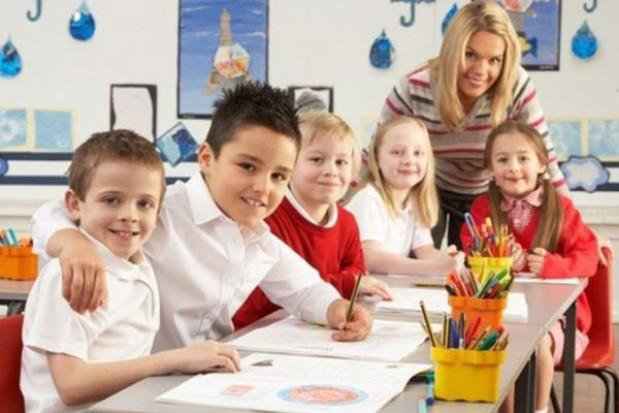 Krucho z dodatkową pracą dla nauczycieli i asystentów