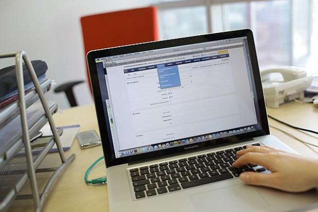 Mieszkańcy Płocka dostali darmowe komputery i internet