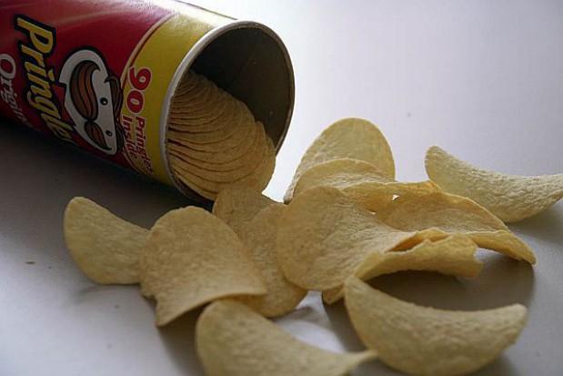 """Łódzki magistrat namawia do wyrzucenia """"śmieciowego jedzenia"""" ze szkół"""