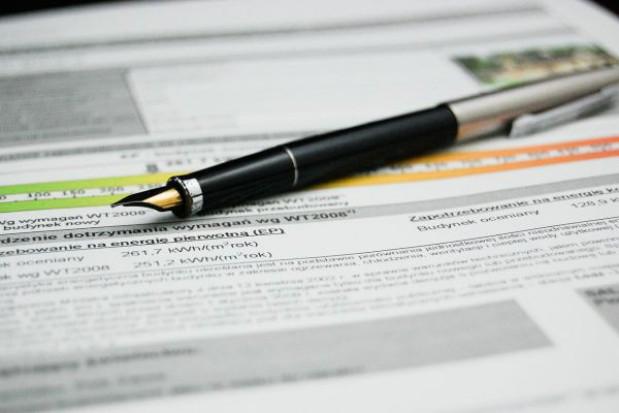 Pieniackie wnioski interesantów mogą sparaliżować pracę urzędów