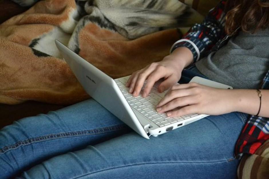 Uczniowie znają zasady bezpieczeństwa w sieci, ale ich nie stosują