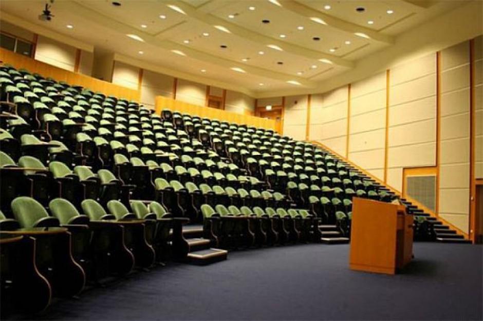 Urzędnicy nauczą się dyplomacji na Uniwersytecie Śląskim