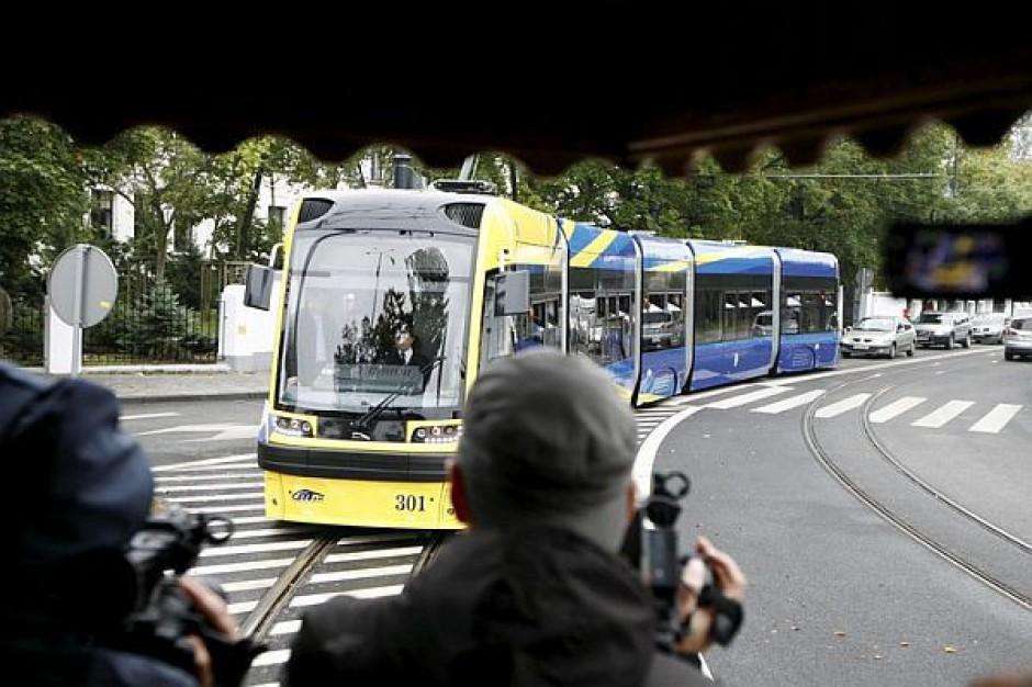 Pierwszy z dwunastu nowych tramwajów wyjechał na ulice Torunia