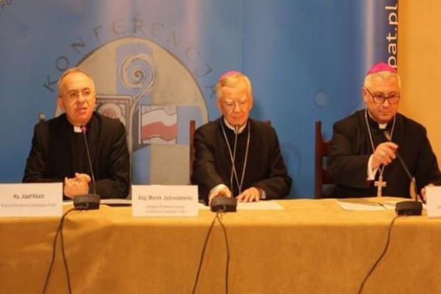 Biskupi: elementarz dla pierwszoklasistów jest infantylny