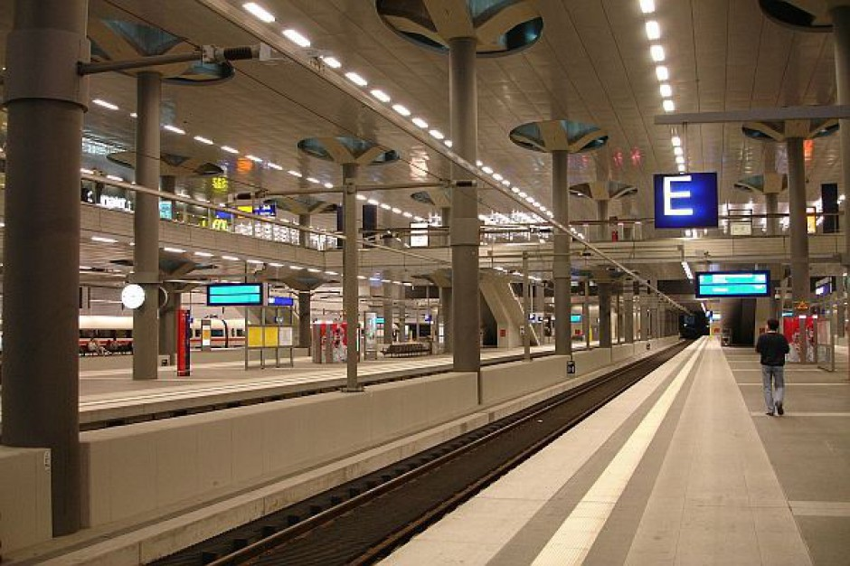 System informacji pasażerskiej na ponad 760 dworcach