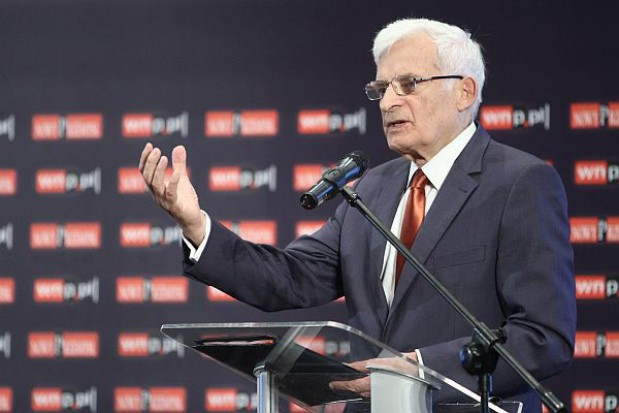 Buzek: W każdej gminie powinny być specjalne komórki, które pomogą przedsiębiorcom