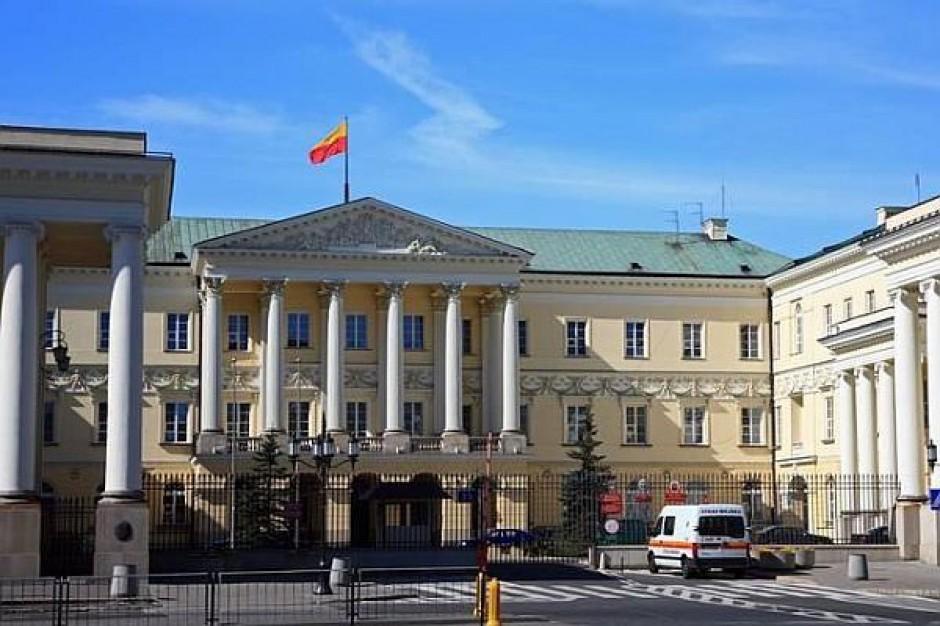 11 kandydatów walczy o rządy w Warszawie
