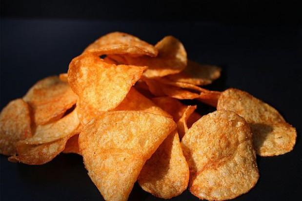 """Będzie zakaz sprzedaży """"śmieciowego jedzenia"""" w szkołach"""