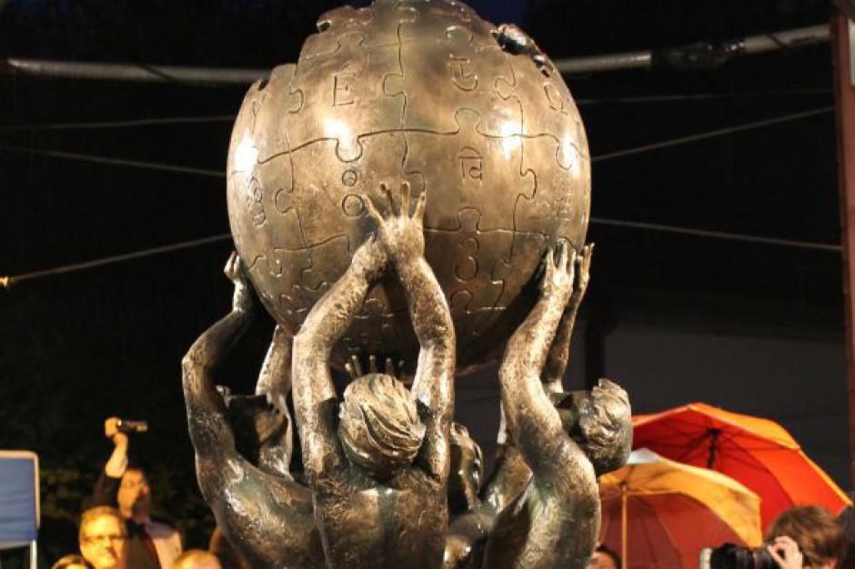 Pierwszy na świecie pomnik Wikipedii stanął w Słubicach