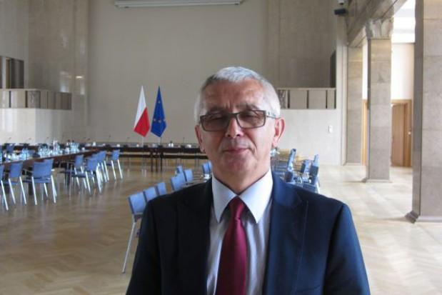 Wójcik: rząd chce ograniczyć autonomię samorządów
