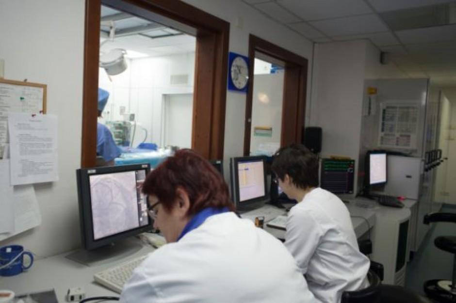 Elektroniczne karty do lekarza na przełomie 2015 i 2016 r.