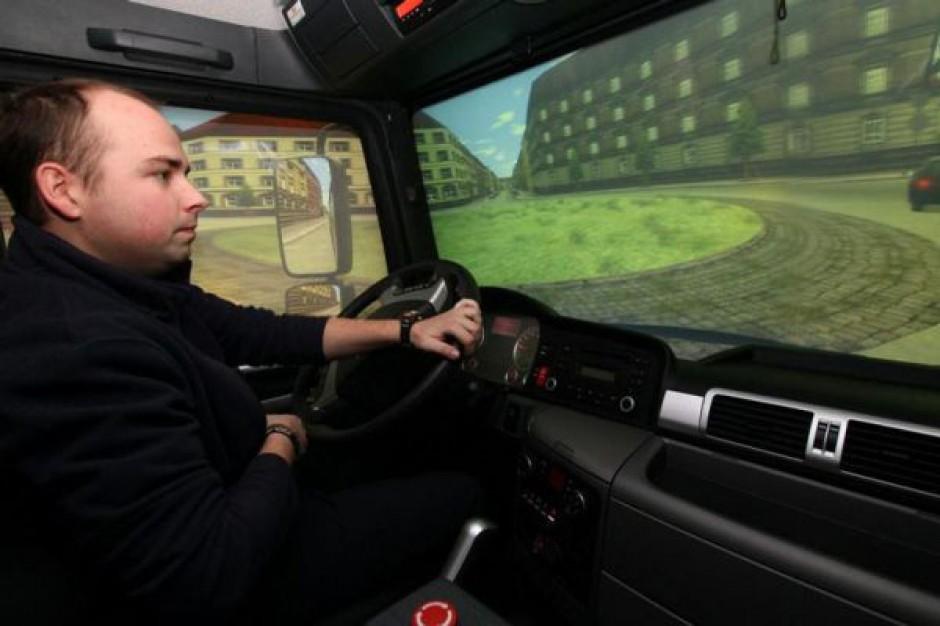 Krakowscy kierowcy MPK szkolą się w symulatorze