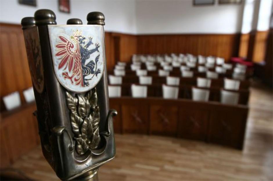 Kujawsko-pomorskie: zliczona połowa protokołów w wyborach do sejmiku