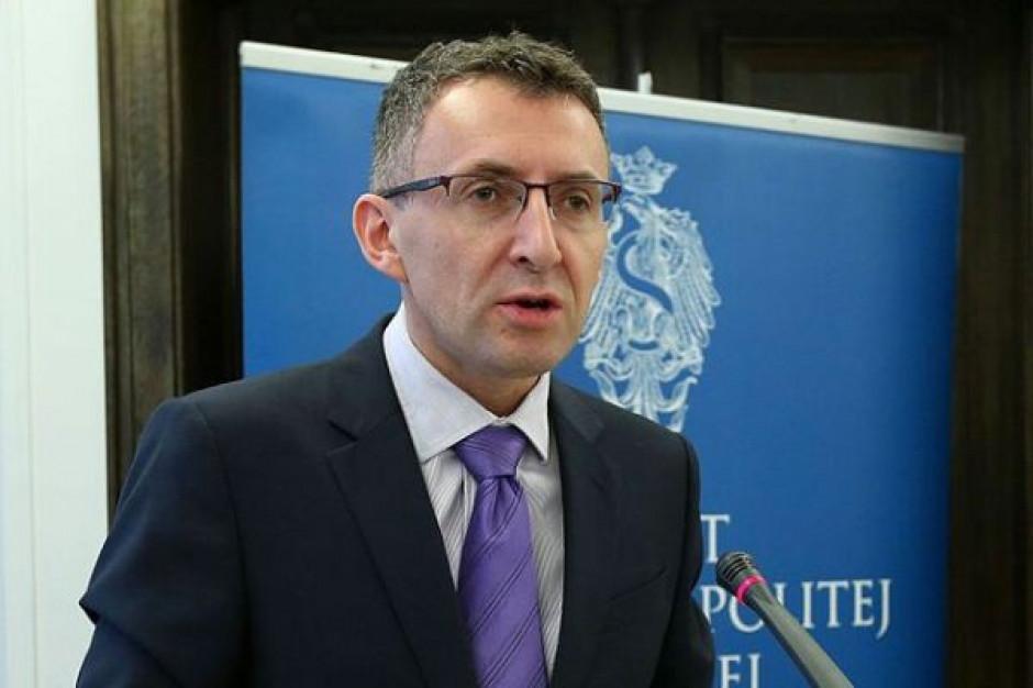 Prof. Marek Chmaj: zakaz przemieszczania się jest niekonstytucyjny