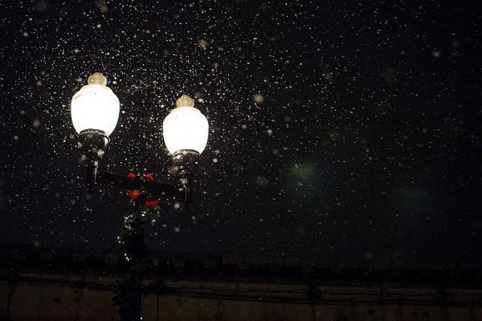 Warszawa wymienieni oświetlenie w ramach PPP