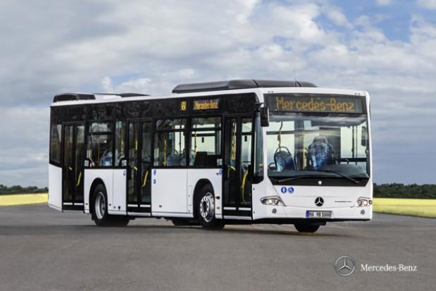 Do Łodzi trafiło 40 niskopodłogowych autobusów marki Mercedes Conecto