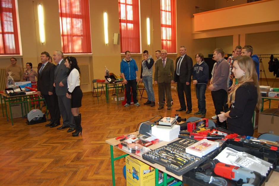 Świętokrzyskie szkoły dostały nowoczesny sprzęt dzięki środkom UE