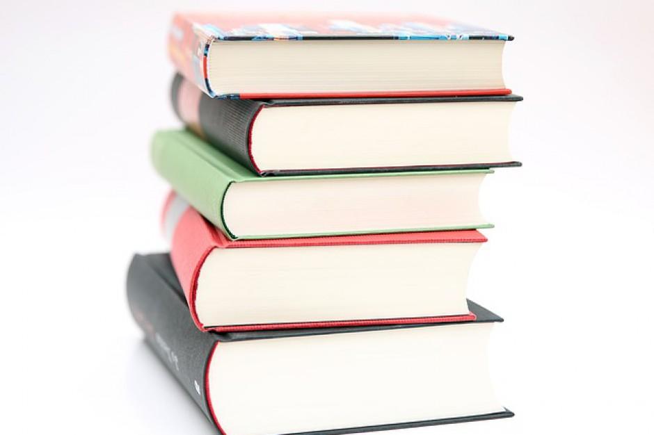 NIK skontroluje dostępność podręczników szkolnych
