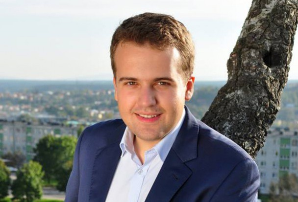 Starachowice. Marek Materek najmłodszy prezydent w Polsce tnie pensje w spółkach. Już znalazał ponad 16,5 tys. zł oszczędności miesięcznie