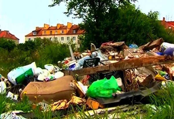 Gospodarka śmieciowa: mieszkańcy oszukują, fachowców brak