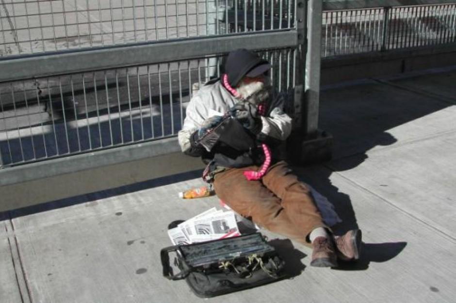 Wydajemy miliony na bezdomnych, ale nikt nie kontroluje jak