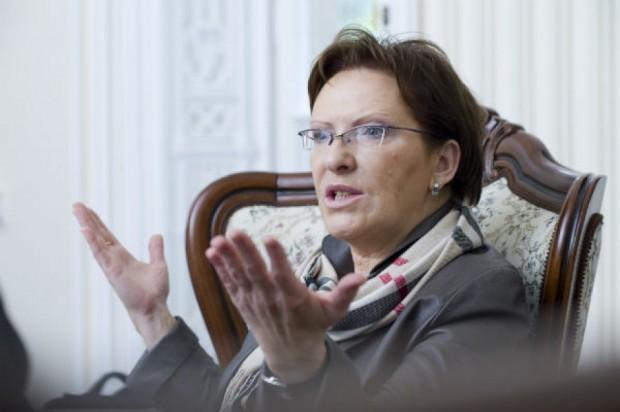 Premier Kopacz odpiera ataki. Jak się tłumaczy?
