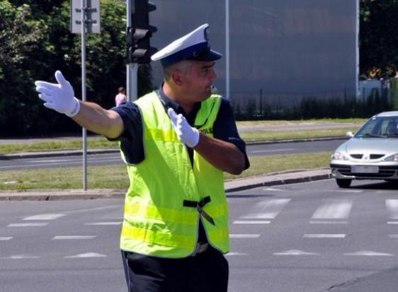 Warszawa da policji pieniądze na dodatkowe patrole i nagrody