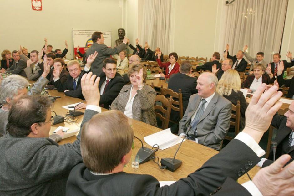 Fundacja Batorego: samorządy potrzebują nadzwyczajnej komisji w Sejmie