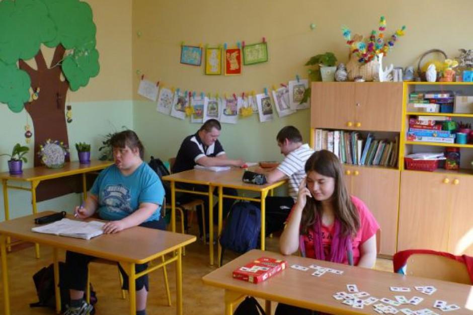 Rodzice wymuszają na samorządach formy kształcenia specjalnego?
