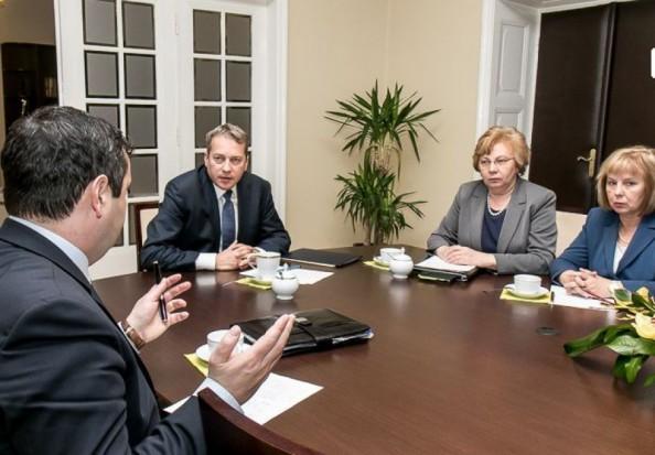 Samorządowcy wezmą udział w spotkaniu rządowego zespołu ws. Śląska