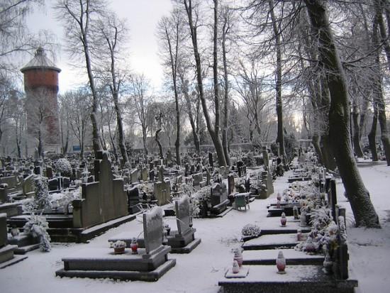 NIK bada sposób zarządzania cmentarzami przez samorządy