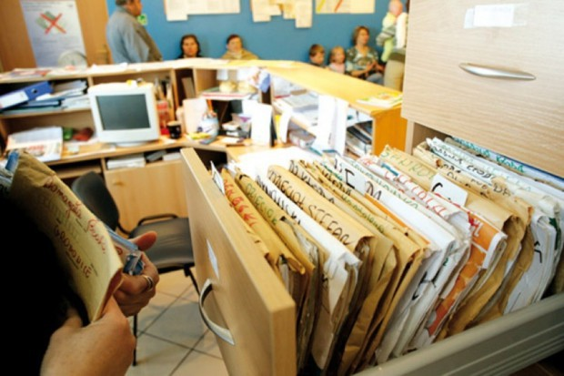 Bezrobocie i śmieciowe umowy to duży problem dla szpitali