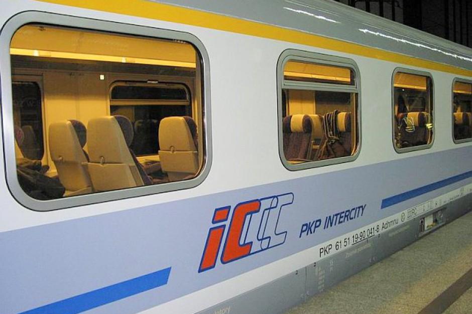 PKP Intercity: Coraz więcej pasażerów kupuje bilet przez internet