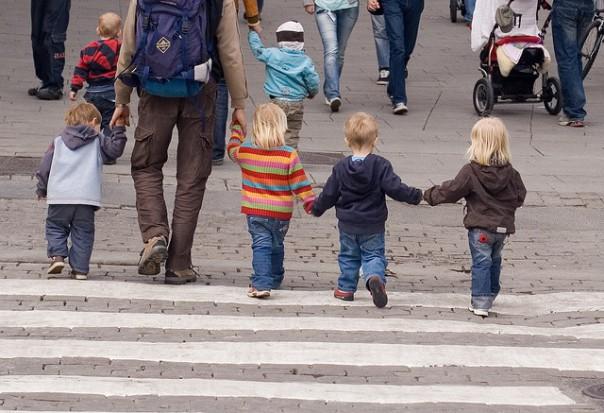 Ustawa o systemie oświaty: Nie będzie zniesienia obowiązku szkolnego 6-latków i przedszkolnego 5-latków