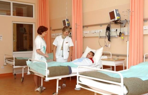 Marszałkowie: alarmująca sytuacja pielęgniarek i położnych