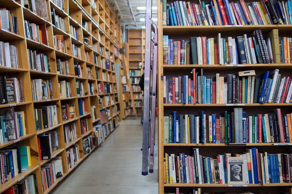 5 proc. uczniów szóstych klas i 14 proc. gimnazjalistów nie czyta książek