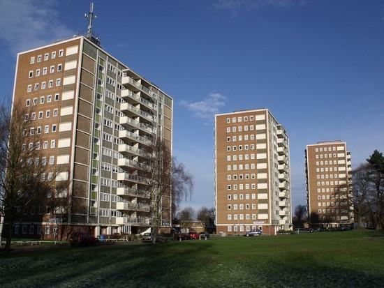 Samorządy muszą zwolnić ze sprzedażą mieszkań, bo będą mieć problemy z zapewnieniem lokali uboższym mieszkańcom