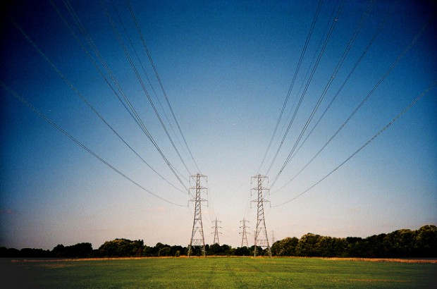 Technologie informatyczne pomagają obniżyć koszty zużycia energii elektrycznej nawet o 20 procent